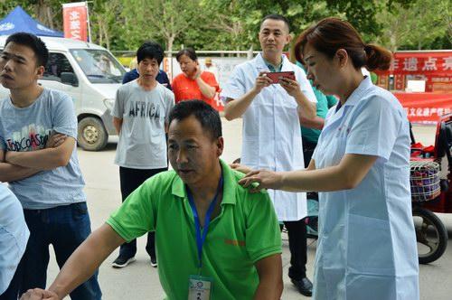 五绝指针疗法治疗肩背部疼痛