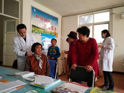 五绝指针疗法与中铁建工集团医院走进社区开展义诊