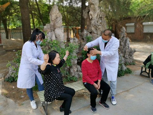 庆祝护士节 五绝指针疗法义诊